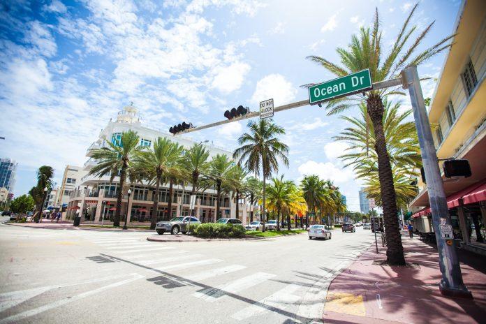street corner ocean drive in Miami, Florida